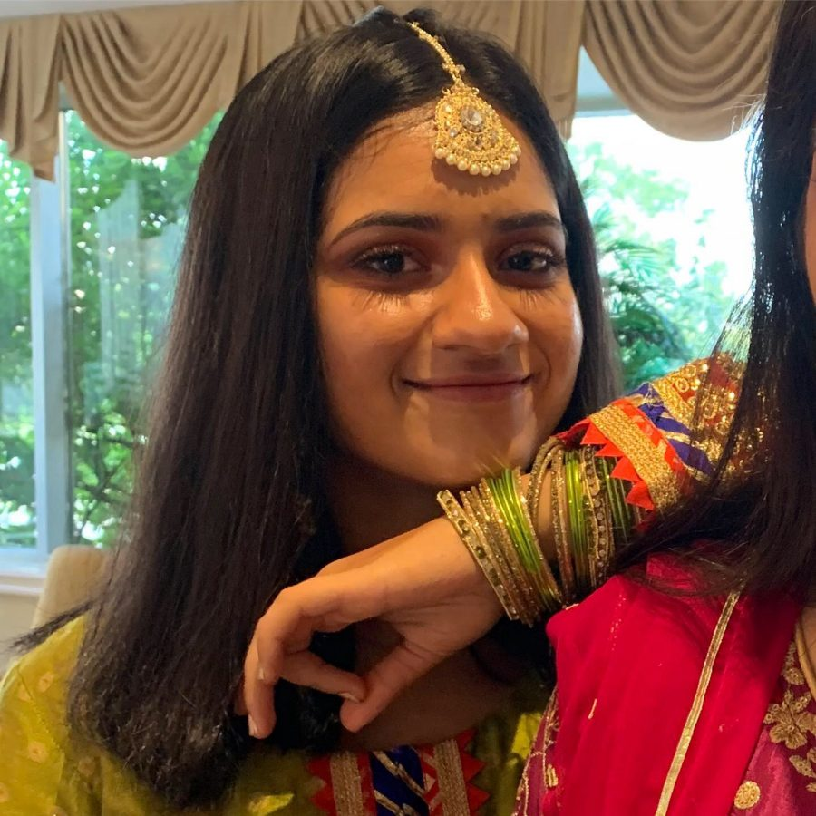 Freshman Rida Shaikh wears tikka and salwar kameez for a wedding in August 2019. Muslims dress respectfully when they go to worship.